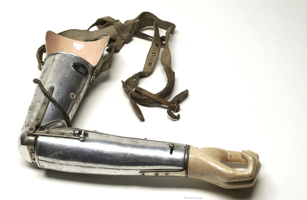 How plastic shaped modern prosthetics