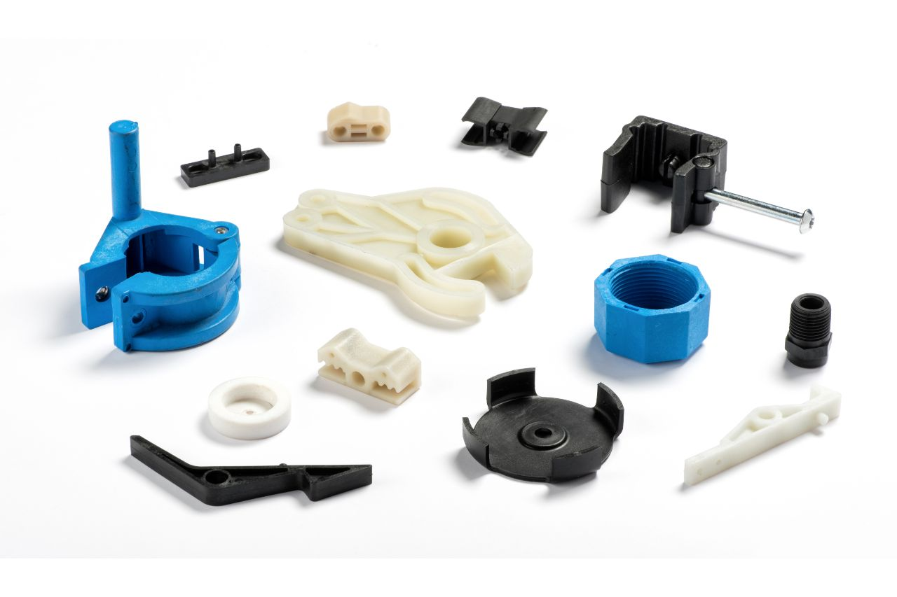 Parts of a plastic injection machine